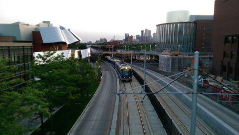1280px-metro_green_line2c_uofm2c_pre-opening2c_june_2014